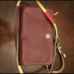 Handbags - Tory Burch crossbody clutch